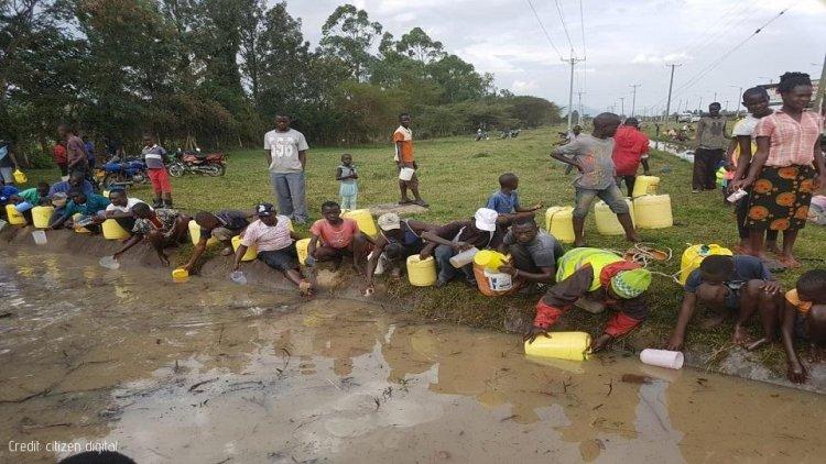 Danger as Kisumu residents scoop fuel from leaking pipeline